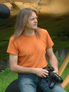 Georg Huber - Kunstmaler,  Dozent,  Autor und Verleger